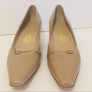 Salvatore Ferragamo Logo Pumps Heels 9 2A